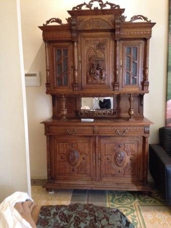 El Petit Palauet: Mueble de la habitación