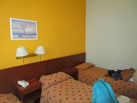 Hotel Milan: 3 camas pegaditas