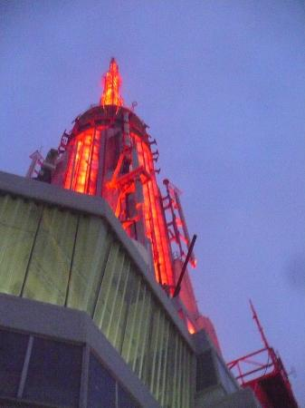 lit up red for valentine's day - picture of empire state building, Ideas