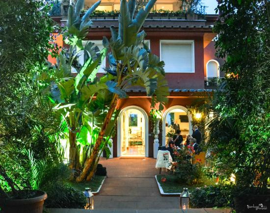 Villa Vittoria Posillipo Napoli Ingresso