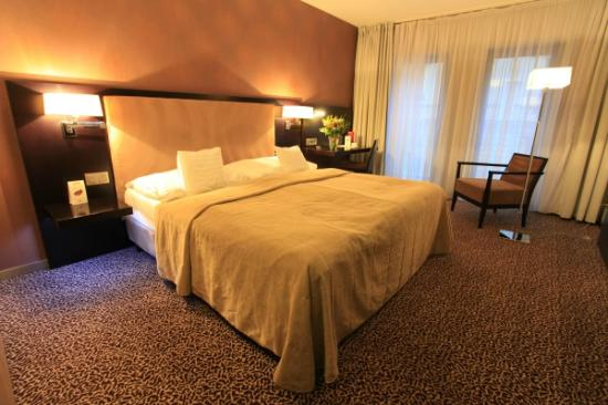 Hotel Avance: Standard Single/Double Room