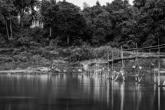 Villa Saykham: Tributary running into the Mekong.