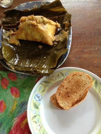 Ike's Place Vientos del Norte: Naca Tamales for breakfast! YUM!