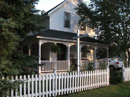 Algonquin Guesthouse