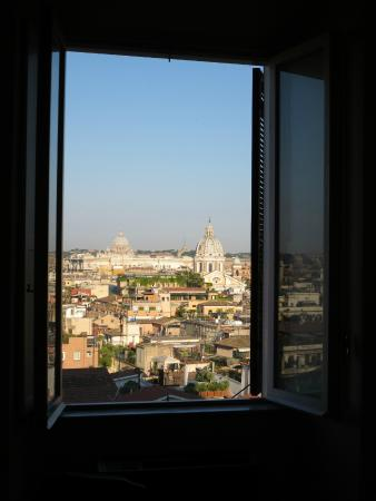 All'obelisco Bed & Breakfast: morgens aus dem Fenster geschaut