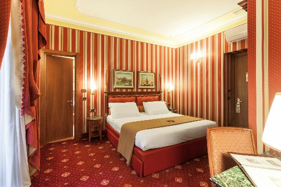 Hotel Manfredi Suite in Rome: Room