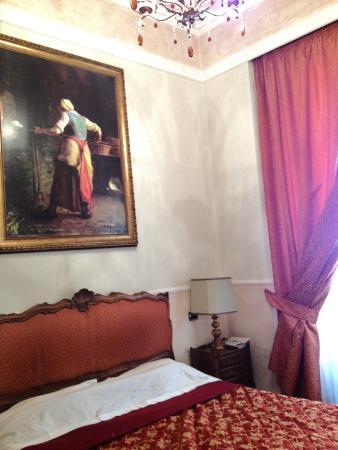 I Tre Moschettieri Luxury Guest House: Camera c/arredamento di pregio