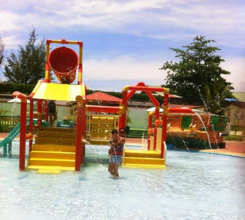 Kiddie Pool Picture Of White Rock Waterpark And Beach Resort Subic Bay Freeport Zone
