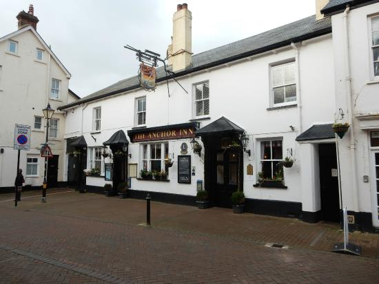 The Anchor Inn: Street elevation