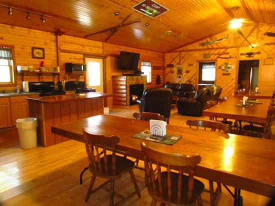 Kishauwau Country Cabins: Grandma's cabin