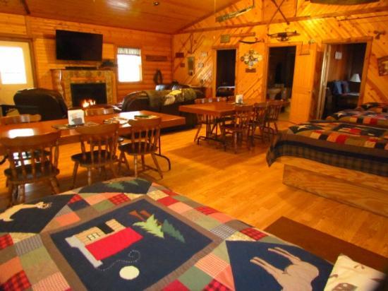 Kishauwau Country Cabins Near Starved Rock: Grandma's cabin