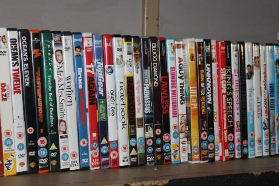Aberdeen City Centre Hotel: DVDs Available at Reception