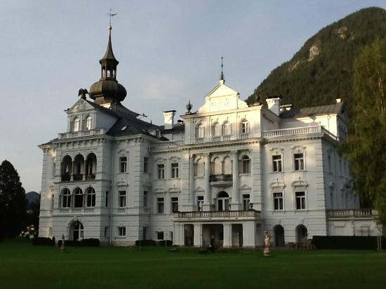 Hotel Schloss Grubhof: Schloss panoramica