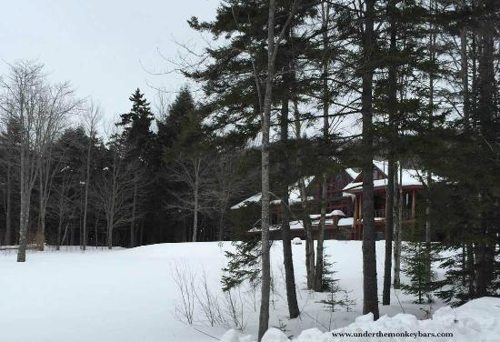 Elmore, VT: View of Stowe Meadows Lodge as you drive up the hill