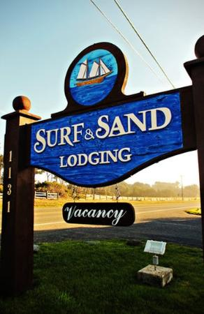 Surf & Sand Lodge : Exterior Sign