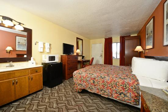 Americas Best Value Inn : One King Guestroom Two
