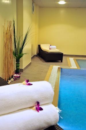 Kingsgate Hotel Doha: Indoor Swimming Pool