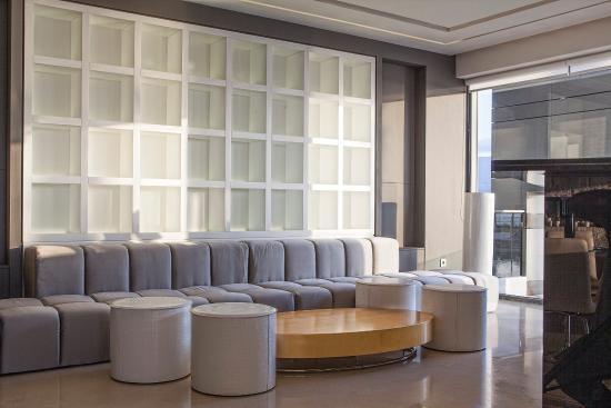 Aqua Blu Boutique Hotel + Spa: The Lobby