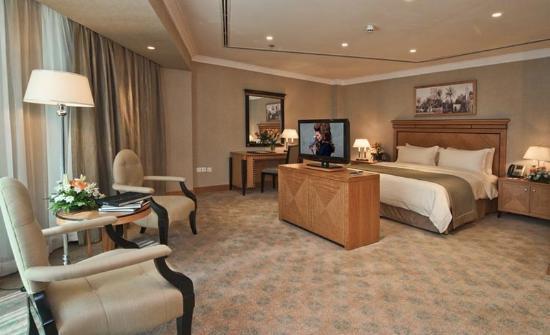 Retaj Royale Doha: Retaj Royale King Suite Room