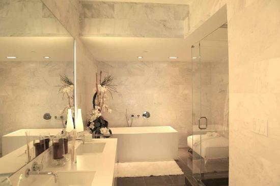 Boulan South Beach: Bathroom A