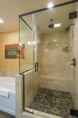 Sierra Nevada Resort & Spa: Fireplace Suite Shower
