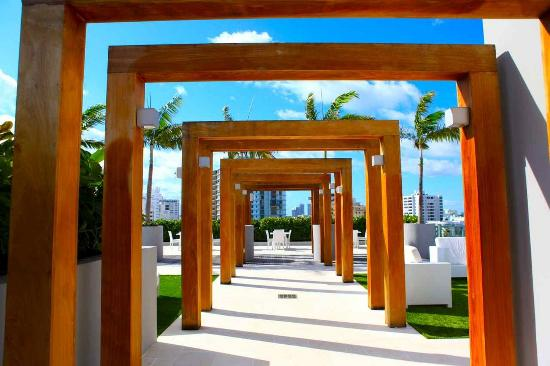 Boulan South Beach: Pool Deck B