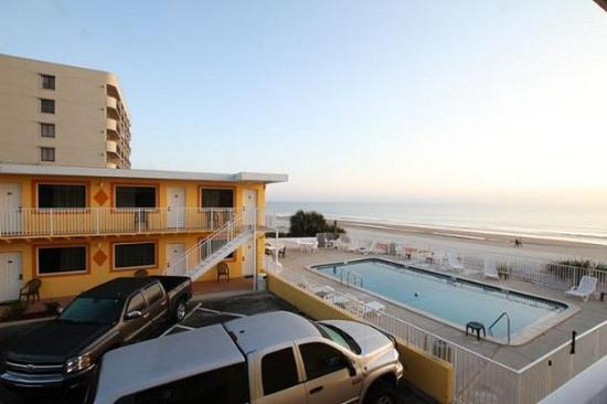 OceanFront Inn and Suites: Overview