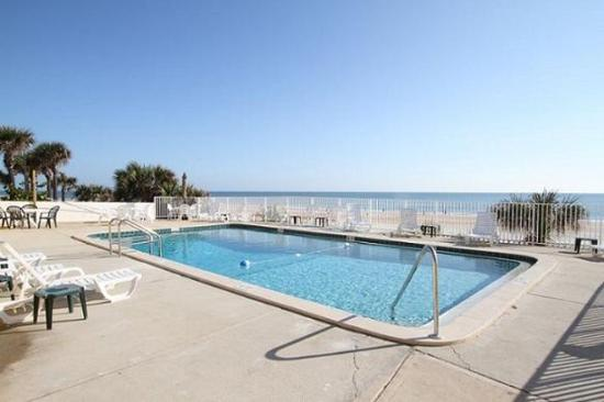 OceanFront Inn and Suites: Pool