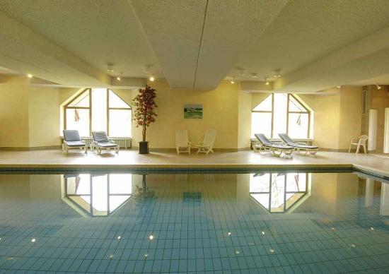 Ringhotel Waldhotel Bärenstein: Indoor pool Waldhotel Baerenstein