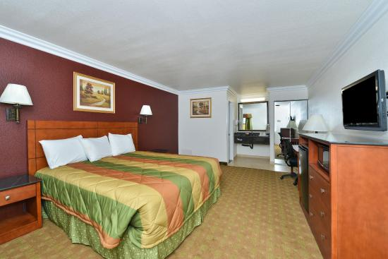 Adelanto, CA: One King Bed