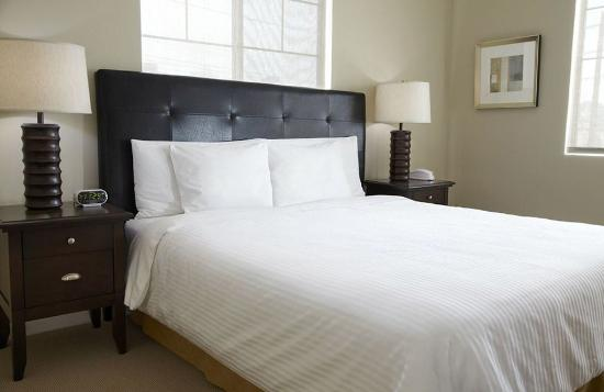 The Lansburgh: Guest Room