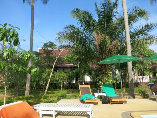 Lanta Klong Nin Beach Resort Hotel - room photo 5405436