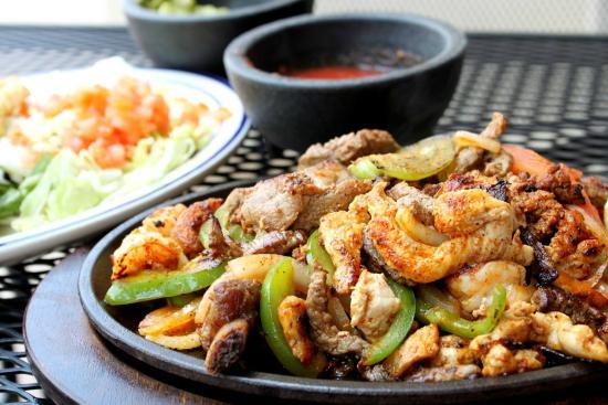 Rio Grande Mexican Cantina: fajitas