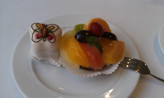 Cafe-Restaurant Luisenhof : Омномном