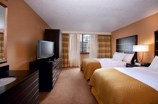 Embassy Suites by Hilton Chicago Downtown: Double Double Bedroom Right