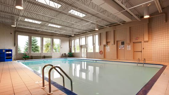 Best Western Plus Mariposa Inn & Conference Centre: Pool