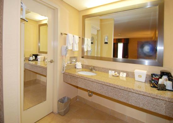 Days Inn Jacksonville Airport: Bathroom Vanity