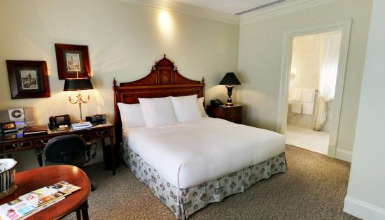 Hotel Le St-James: Guest Room