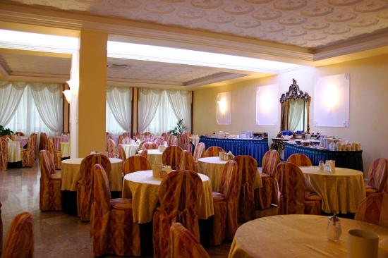 Hotel Continentale: IMGBreakfast Area