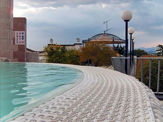 Enrichetta hotel bewertungen fotos preisvergleich for Swimming pool preisvergleich