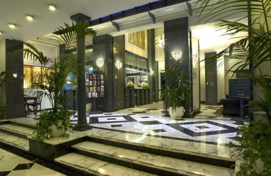 Hotel Berchielli: Lobby View