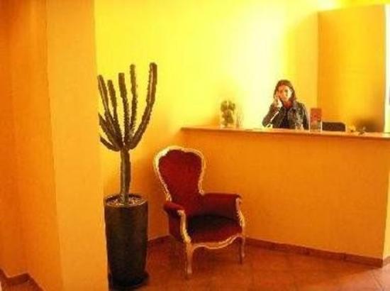 207 Inn: Interior