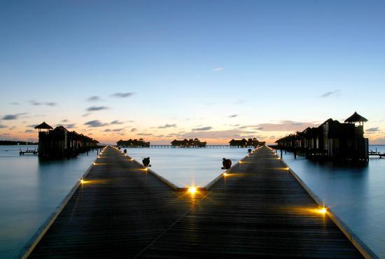 Gili Lankanfushi Maldives: Walk Way To Villas