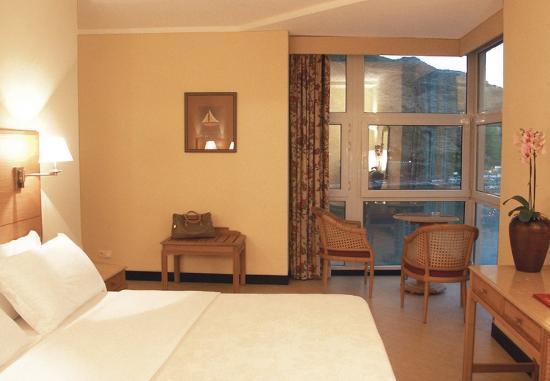 Photo of Dom Pedro Baia Club Hotel Funchal