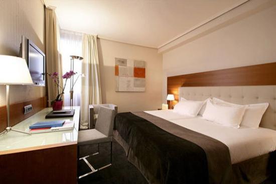 Silken Amara Plaza Hotel : Guest Room