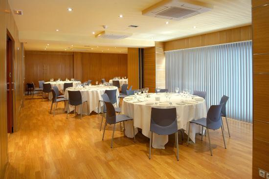 Evenia Rosello: Banquet Room