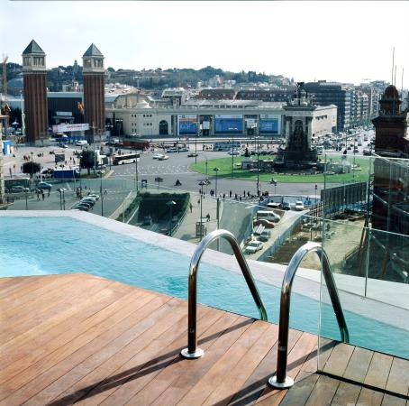 Pool view picture of b hotel barcelona tripadvisor for Pool show barcelona