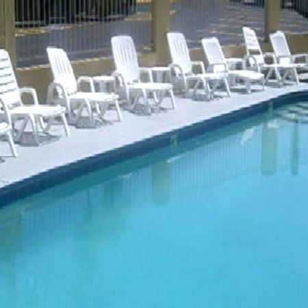 Windsor Inn Motel: Windsor Inn Pool Mag