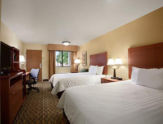 Photo of Days Inn & Suites Scottsdale North