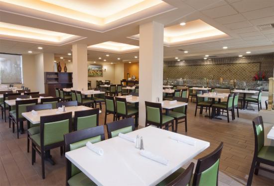 Biltmore Hotel & Suites : Montague's Cafe